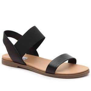 Steve Madden black Darnell flat sandal